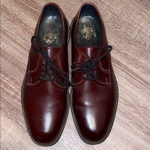 JB Brown   Brown Oxfords Leather Shoes. Size 8.5